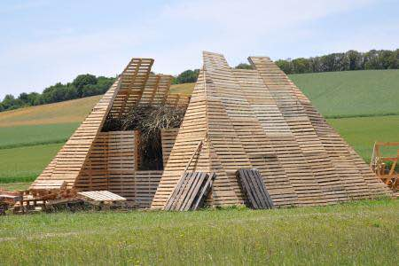2 Pyramide en cours de fabrication