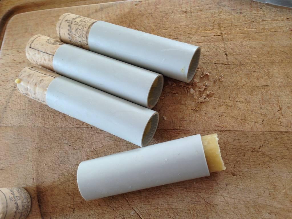 fabrication de cire pour corde fidjbow archerie chasse l 39 arc aube. Black Bedroom Furniture Sets. Home Design Ideas